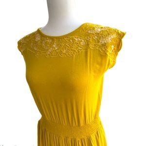APT 9 • Eyelet Lace Detail Dress • Sz S
